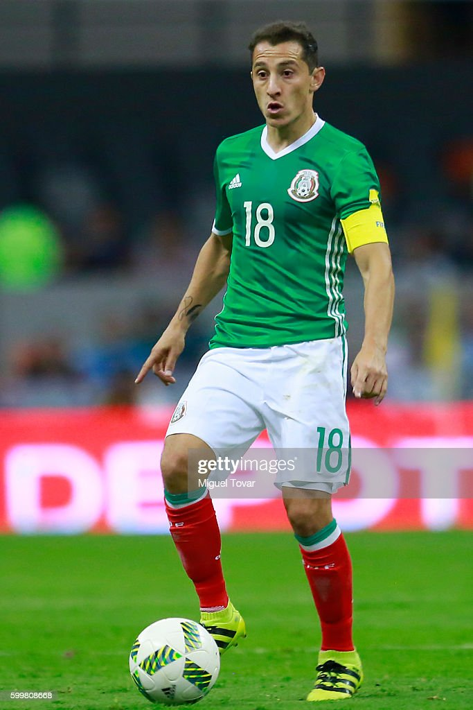 Andres Guardado of Mexico drives the ball during a match between Mexico and Honduras as part of FIFA 2018 World Cup Qualifiers at Azteca Stadium on September 06, 2016 in Mexico City, Mexico.