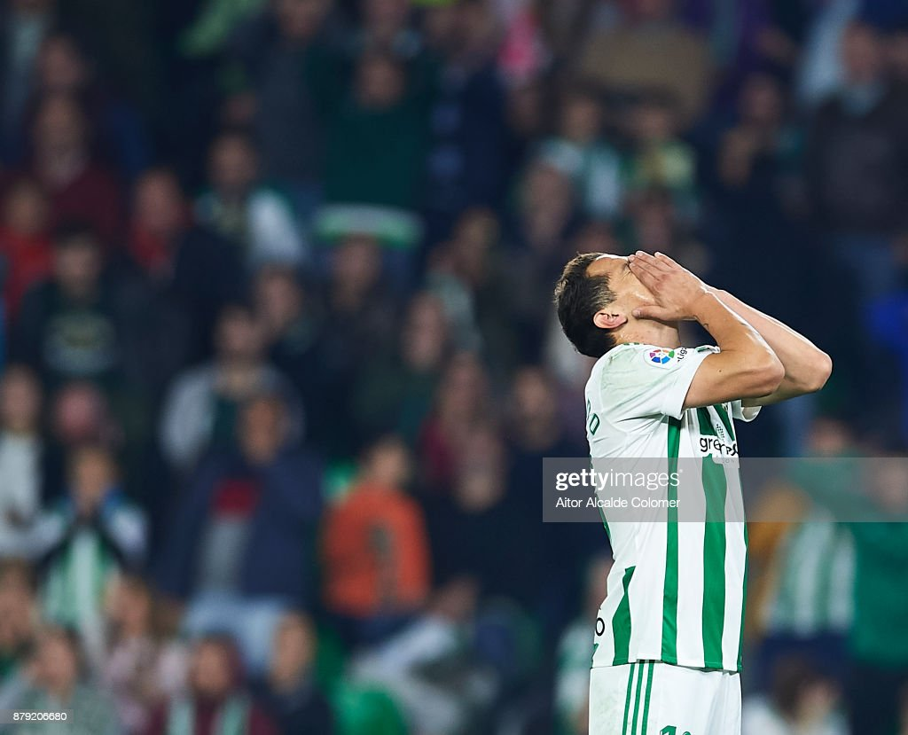 Andres Guardado of Real Betis Balompie reacts during the La Liga match between Real Betis and Girona at Estadio Benito Villamarin on November 25, 2017 in Seville, Spain.