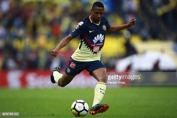 Andres Ibarguen of America drives the ball during the match between America and Tauro FC as part of the CONCACAF Champions League 2018 at Azteca...