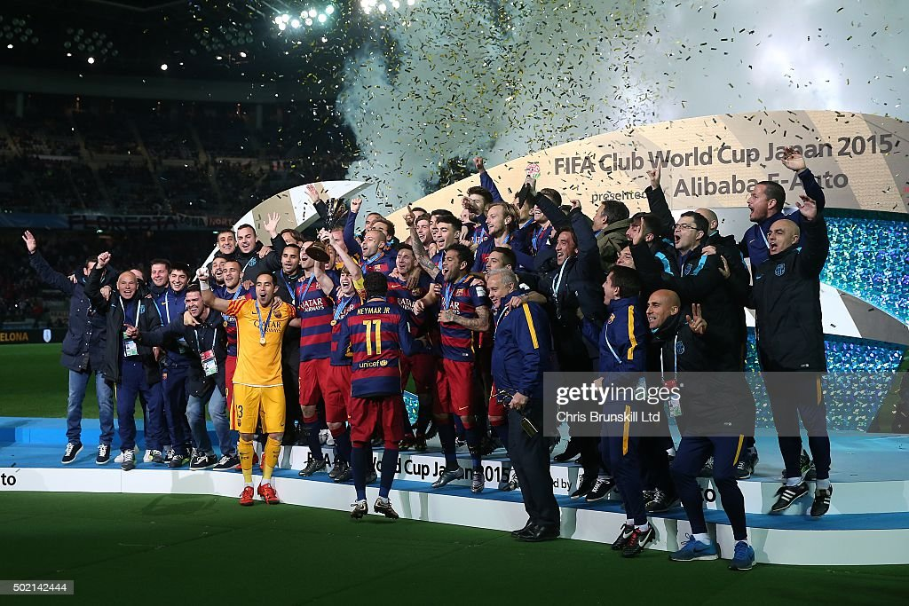 River Plate v Barcelona - FIFA Club World Cup Final : News Photo