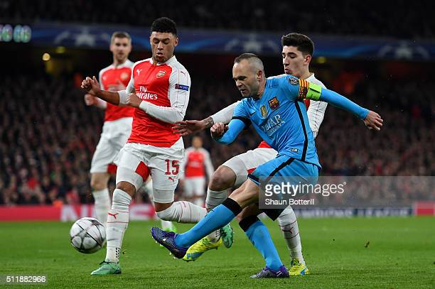 Andres Iniesta of Barcelona takes a shot on goal during the UEFA Champions League round of 16 first leg match between Arsenal FC and FC Barcelona at...