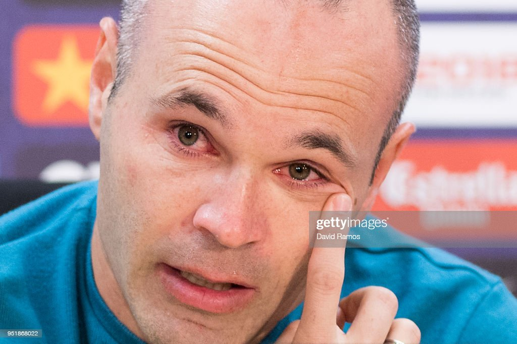 FC Barcelona player Andres Iniesta Press Conference : News Photo