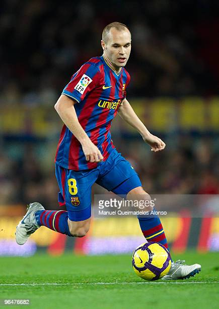 Andres Iniesta of FC Barcelona in action during the La Liga match between Barcelona and Getafe at Camp Nou on February 6, 2010 in Barcelona, Spain....
