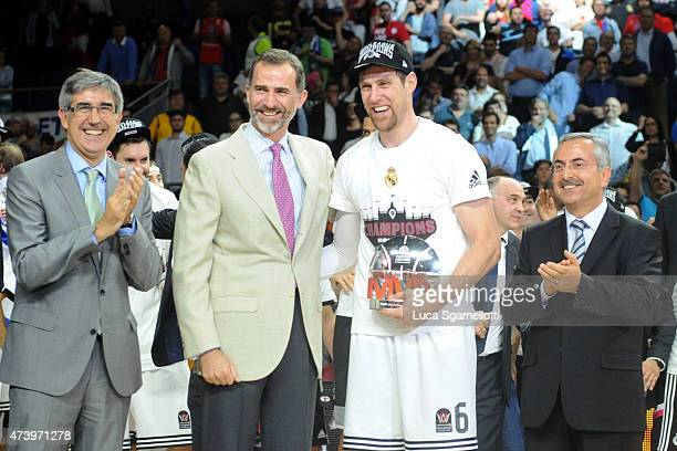 Andres Nocioni #6 of Real Madrid and MVP poses with His Majesty king of Spain Felipe de Borbon and Jordi Bertomeu CEO Euroelague Basketball during...