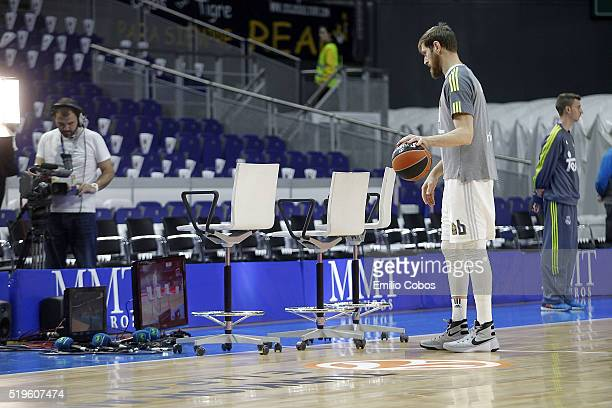 Andres Nocioni #6 of Real Madrid watches the ZalgirisBarcelona game by TV during the 20152016 Turkish Airlines Euroleague Basketball Top 16 Round 14...