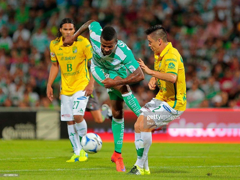 Santos Laguna v Leon - Apertura 2015 Liga MX : News Photo