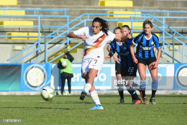 Andressa Alves Da Silva of AS Roma Women scores the penalty first goal during the Women Serie A match between FC Internazionale and AS Roma at Campo...
