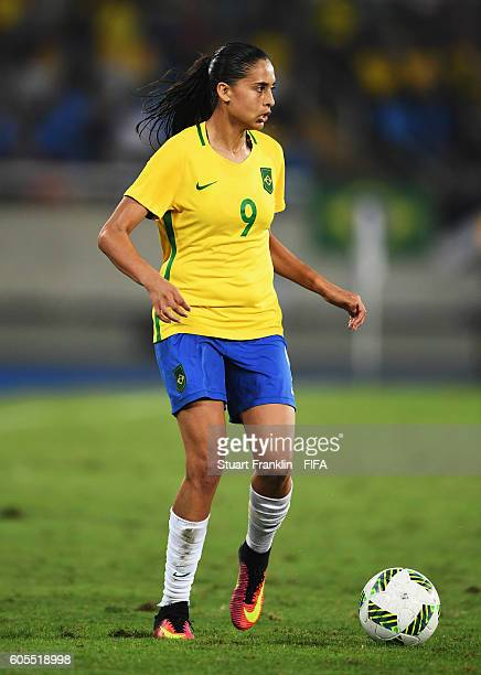 Andressa Alves of Brazil in action during the Olympic Women's Football match between Brazil and Sweden at Olympic Stadium on August 6 2016 in Rio de...