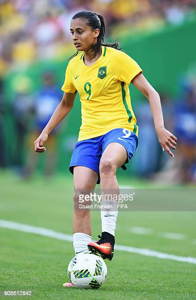 Andressa Alves of Brazil in action during the Olympic Womens Semi Final Football match between Brazil and Sweden at Maracana Stadium on August 16...