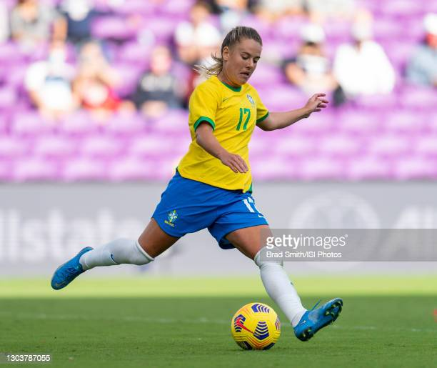 Andressinha of Brazil crosses the ball during a game between Brazil and USWNT at Exploria Stadium on February 21, 2021 in Orlando, Florida.