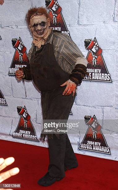 Andrew Bryniarski as Leatherface from 'The Texas Chainsaw Massacre'