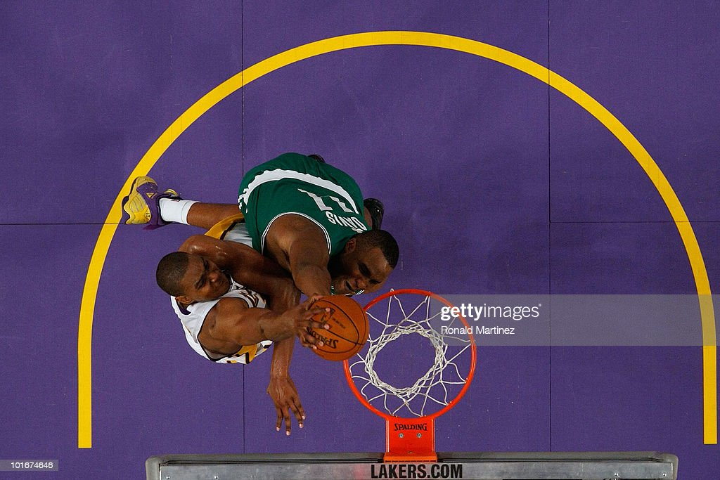 Andrew Bynum #17 of the Los Angeles Lakers attempts a dunk against Glen Davis #11 of the Boston Celtics in Game Two of the 2010 NBA Finals at Staples Center on June 6, 2010 in Los Angeles, California.