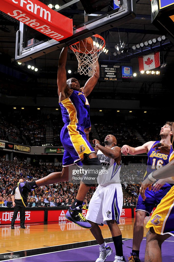 Andrew Bynum #17 of the Los Angeles Lakers dunks the ball against the Sacramento Kings on March 16, 2010 at ARCO Arena in Sacramento, California.