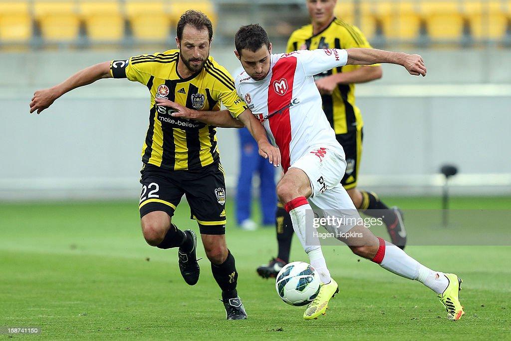 A-League Rd 13 - Wellington v Heart : News Photo