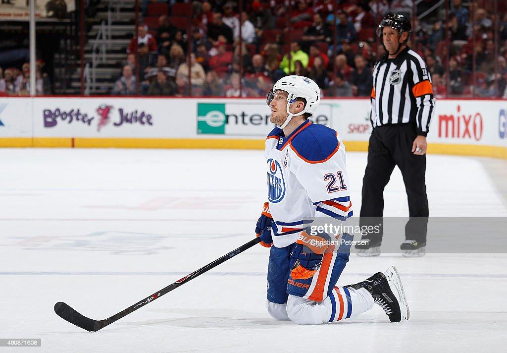 Edmonton Oilers v Arizona Coyotes : News Photo