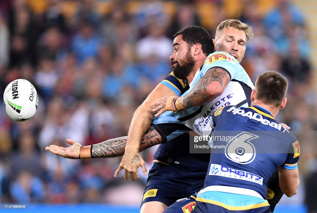 NRL Rd  9 - Titans v Sharks : News Photo