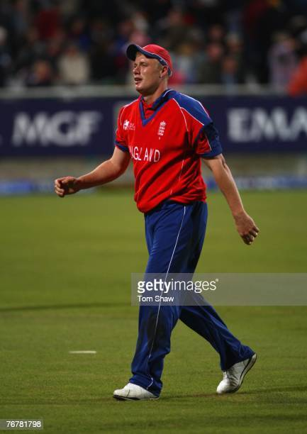 Andrew Flintoff of England leaves the field after the innings during the Twenty20 Cup Super Eights match between England and South Africa at Newlands...