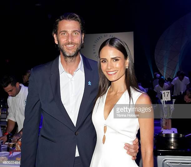 Andrew Form and Jordana Brewster attend the Autism Speaks to Los Angeles Celebrity Chef Gala at Barker Hangar on October 8 2015 in Santa Monica...