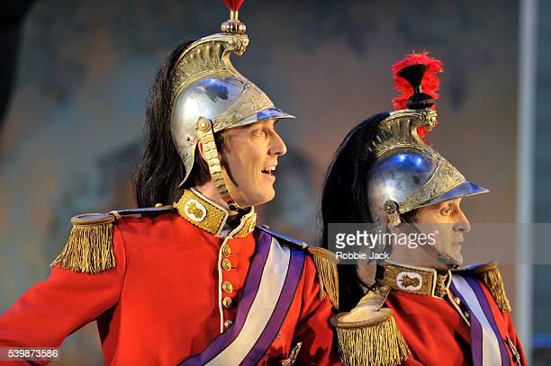 Andrew Glover as Le Chevalier de Bergerac and Quirijn de Lang as Le Comte d'Arlange in Garsington Opera's production of Jacques Offenbach's VertVert...