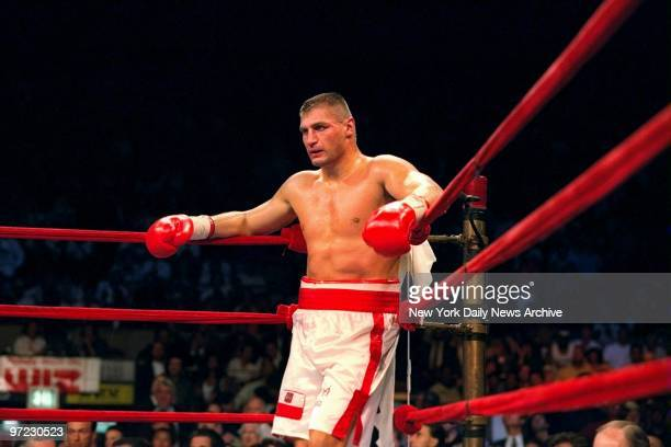 Andrew Golota during his fight against Riddick Bowe