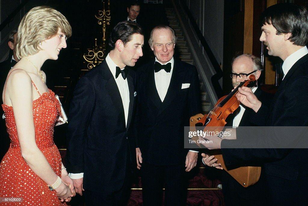 Diana Charles Violin Gift : News Photo