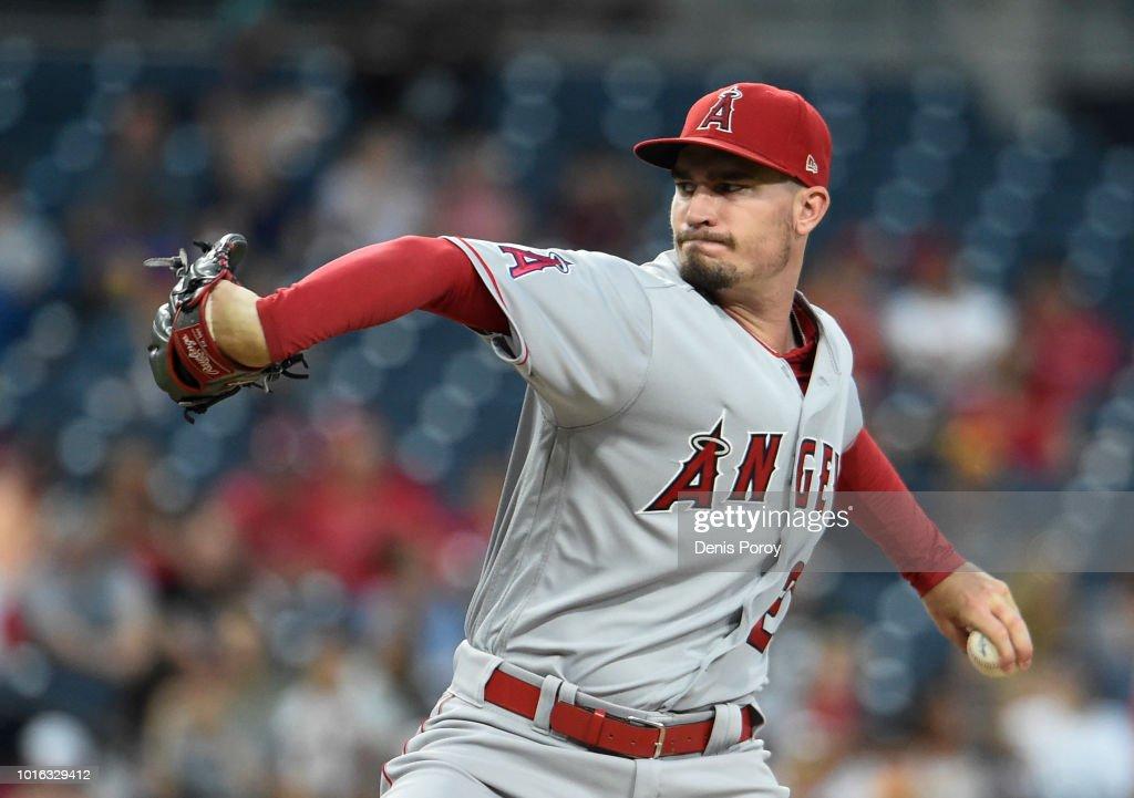 Los Angeles Angels of Anaheim v San Diego Padres : News Photo