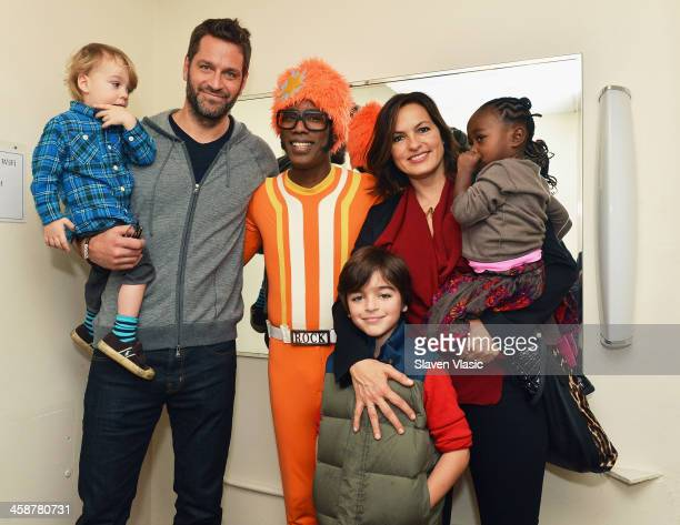 Andrew Hermann Peter Hermann DJ Lance Rock August Hermann Mariska Hargitay and Amaya Josephine Hermann attend Yo Gabba Gabba Live at The Beacon...