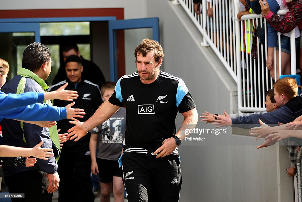 New Zealand All Blacks Coaching Clinic : News Photo