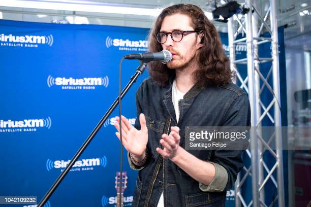 Andrew HozierByrne of 'Hozier' perfroms during his visit at SiriusXM Studios on September 27 2018 in New York City