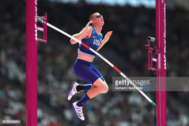 Andrew Irwin of the United States competes in the Men's Pole Vault qualification during day three of the 16th IAAF World Athletics Championships...