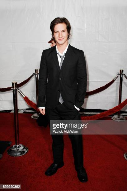 "Andrew James Allen attends THE LOS ANGELES PREMIERE OF ""THE LOVELY BONES"" at Grauman's Chinese Theatre on December 7 2009 in Hollywood California"