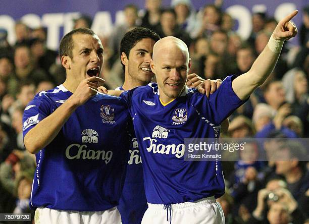 Andrew Johnson of Everton celebrates scoring his team's sixth goal with team mates Leon Osmanand Mikel Arteta during the Barclays Premier League...