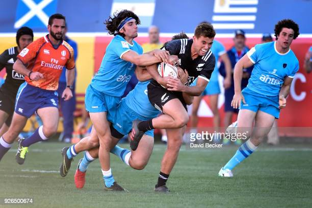 Andrew Knewstubb of New Zealand carries the ball against Uruguay during the USA Sevens Rugby tournament at Sam Boyd Stadium on March 2 2018 in Las...