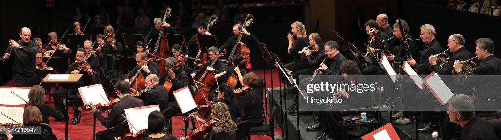 Mostly Mozart Festival Orchestra : ニュース写真