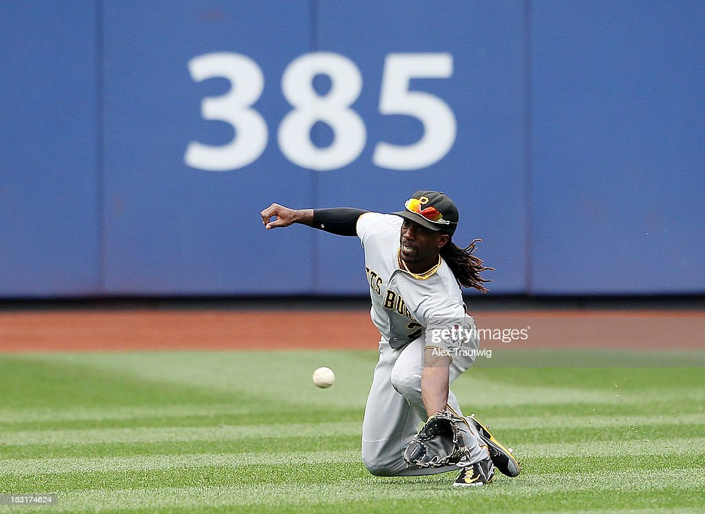 Andrew McCutchen #22 of the Pittsburgh Pirates makes a catch against the New York Mets at Citi Field on September 27, 2012 in the Flushing neighborhood of the Queens borough of New York City.