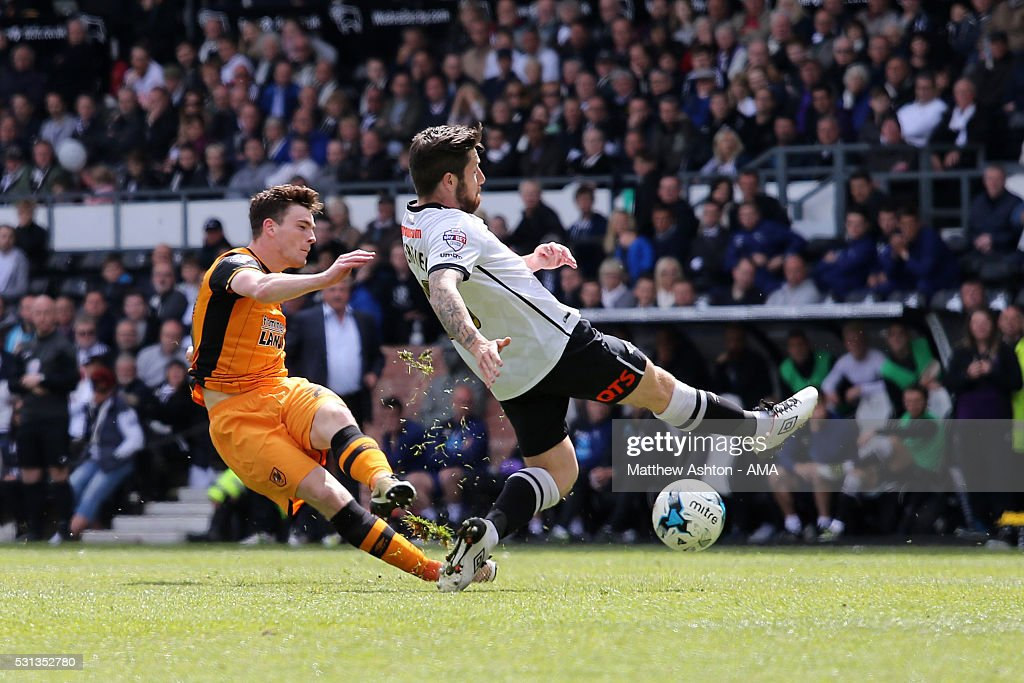 Andrew Robertson of Hull City scores a goal to make it 0-3 during the Sky Bet Championship Play Off First Leg match between Derby County and Hull City at the iPro Stadium on May 14, 2016 in Derby, England.