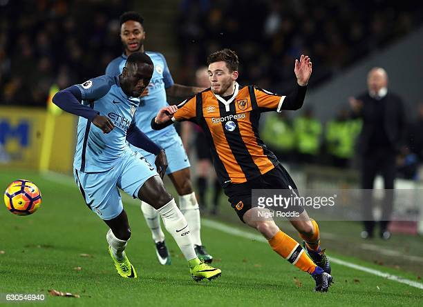 Andrew Robertson of Hull City takes on Bacary Sagna of Manchester City during the Premier League match between Hull City and Manchester City at KCOM...
