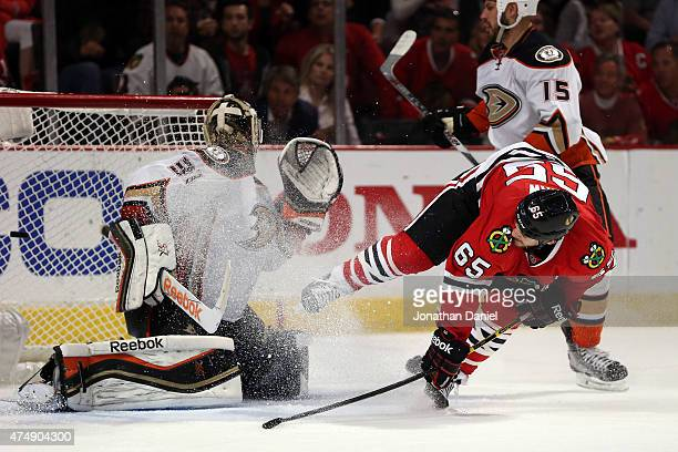 Andrew Shaw of the Chicago Blackhawks scores a goal in the third period against the Anaheim Ducks in Game Six of the Western Conference Finals during...