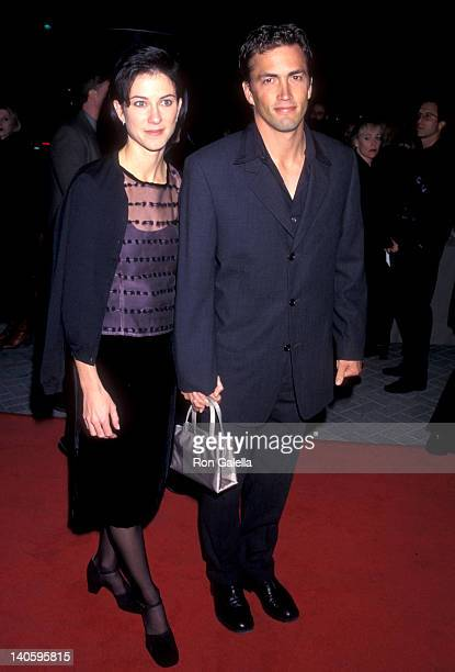 Andrew Shue and Jennifer Hageney at the Premiere of 'The Rainmaker' Paramount Theater Hollywood