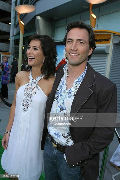 Andrew Shue and wife Jennifer during Picturehouse 'Gracie' Los Angeles Premiere at Arclight Cinemas in Hollywood California United States