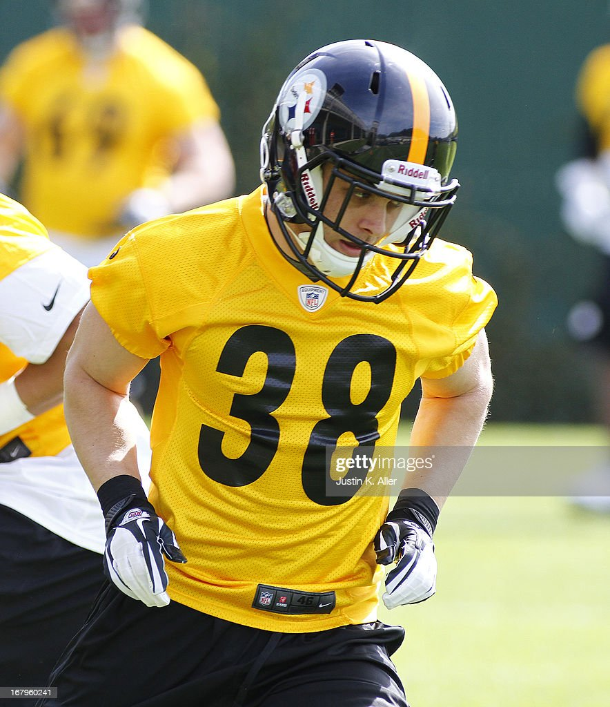 Andrew Taglianetti #38 of the Pittsburgh Steelers participates in drills during Rookie Camp on May 3, 2013 at UPMC Sports Complex in Pittsburgh, Pennsylvania.