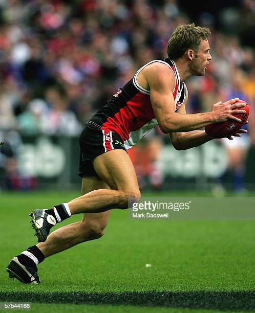 Andrew Thompson of the Saints in action during the round six AFL match between the St Kilda Saints and the Western Bulldogs at the Telstra Dome May 6...
