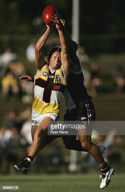 Andrew Thompson of the Saintsi n action during the St Kilda Saints InterClub practice match at Moorabbin Oval February 17 2006 in Melbourne Australia