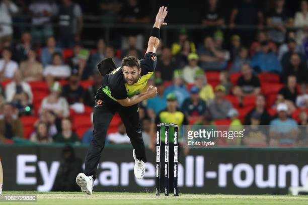 Andrew Tye of Australia bowls during the International Twenty20 match between Australia and South Africa at Metricon Stadium on November 17 2018 in...