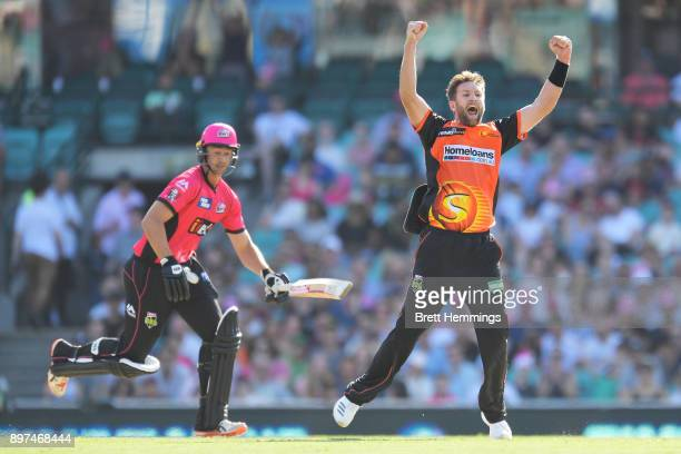 Andrew Tye of the Scorchers celebrates with team mates after dismissing Daniel Sams of the Sixers for a hattrick during the Big Bash League match...