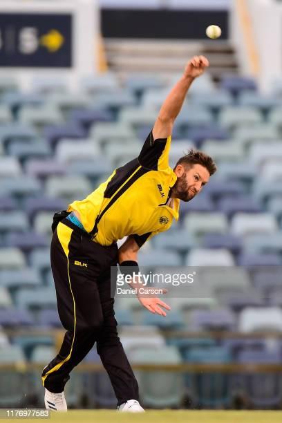 Andrew Tye of Western Australia bowls the ball at WACA on September 25, 2019 in Perth, Australia.