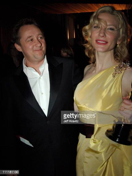 Andrew Upton and Cate Blanchett winner Best Actress in a Supporting Role for The Aviator