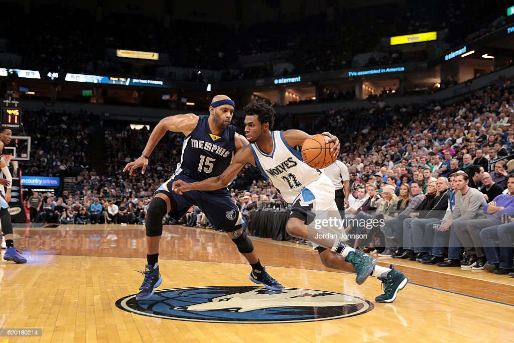 Andrew Wiggins #22 of the Minnesota Timberwolves drives to the basket during the game against the Memphis Grizzlies on November 1, 2016 at Target Center in Minneapolis, Minnesota.