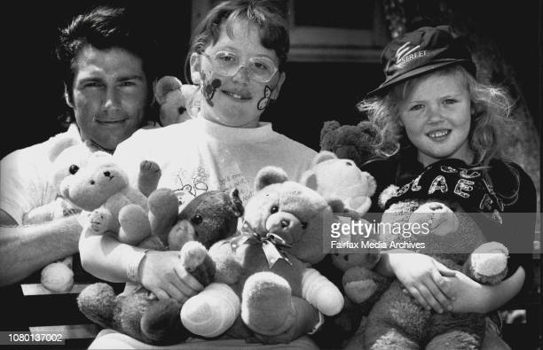 Andrew Williams and Prue McGuire stars from E Street with Camperdown childrens Hospital patient Fiona WrightThe Teddy Bears PicnicThousands of teddy...