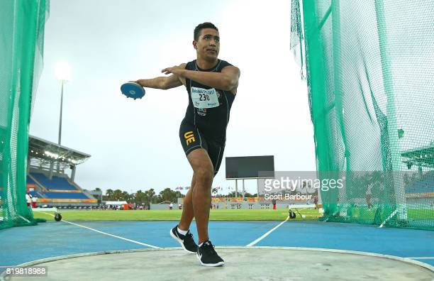 Andrey Kaufisi of Niue competes in the Boys Discus Throw Final during the Athletics on day 3 of the 2017 Youth Commonwealth Games at Thomas A...